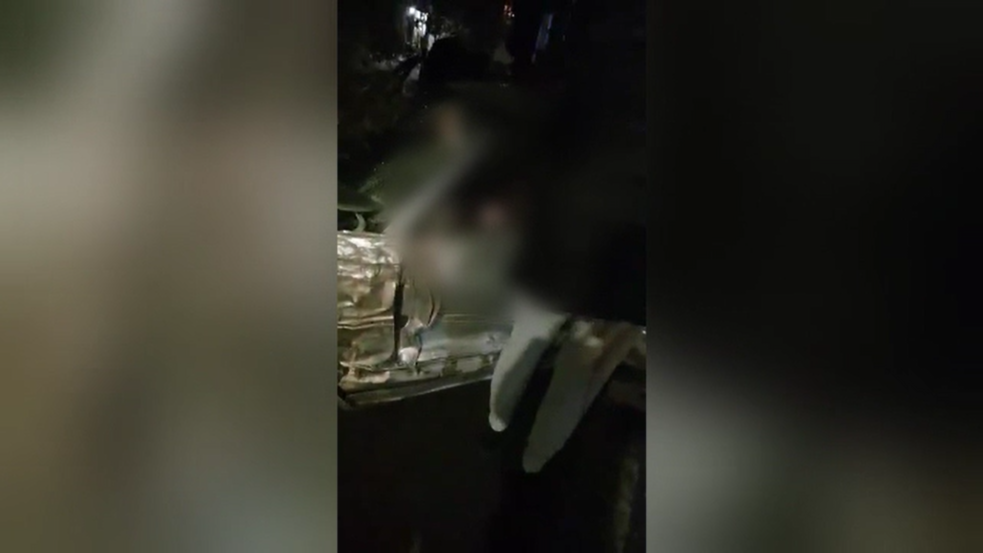 Un șofer de 23 de ani a rănit 3 persoane într-un sens giratoriu din Cluj