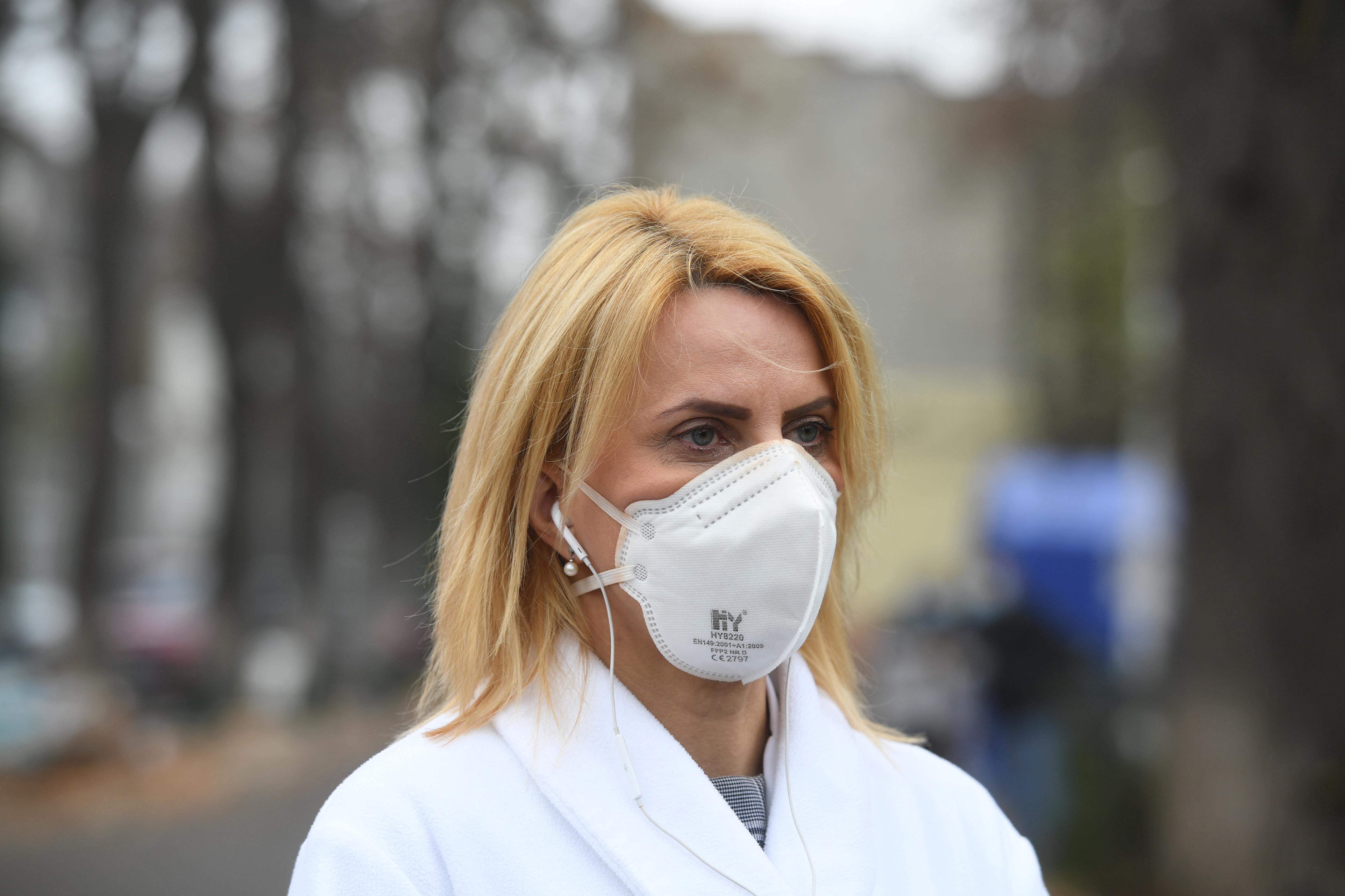 """Managerul de la """"Marius Nasta"""": Singurul pompier angajat al spitalului e în concediu de 6 luni"""