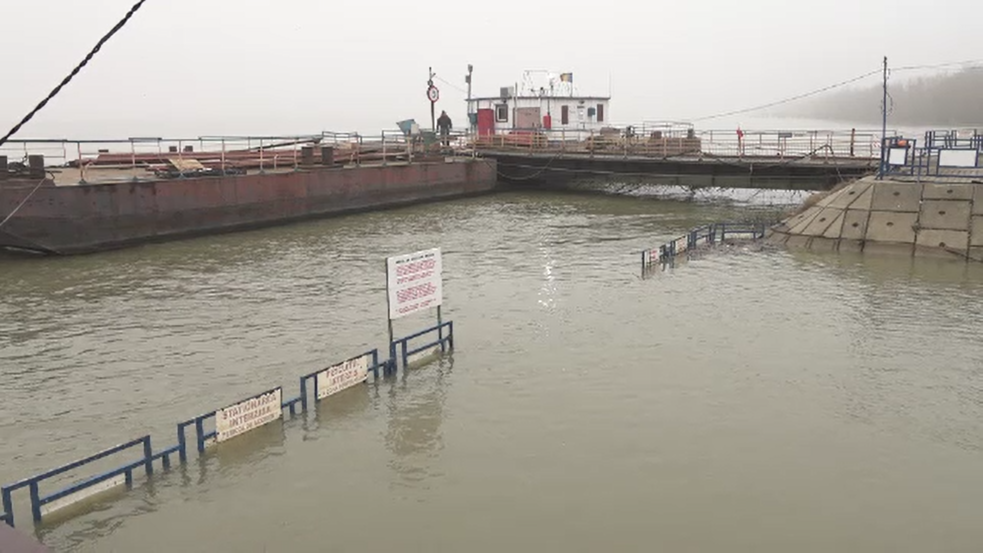 Nivelul Dunării este în creştere şi autorităţile fluviale au emis avertismente către navigatori