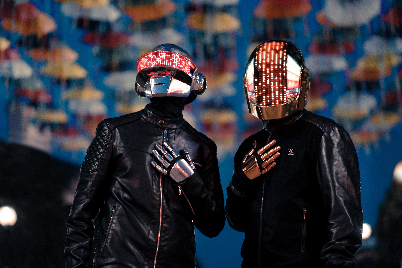 Grupul Daft Punk a anunţat că îşi încetează activitatea. VIDEO