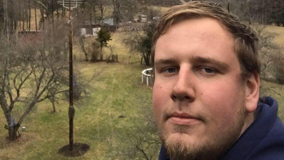 Un bărbat a murit în timp ce pregătea o petrecere în care urma să anunțe genul copilului său