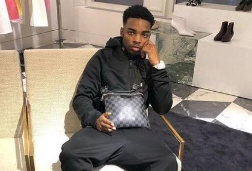 Un adolescent de 19 ani a făcut avere la bursă, uitându-se pe Youtube. A pornit cu 200 de lire