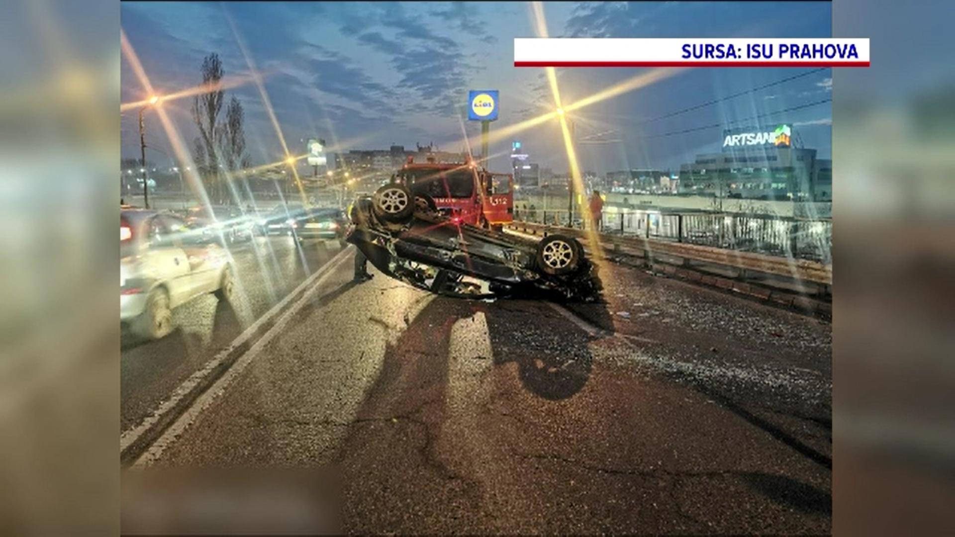 Accident spectaculos în Ploiești. Un bărbat băut a intrat cu mașina într-un parapet