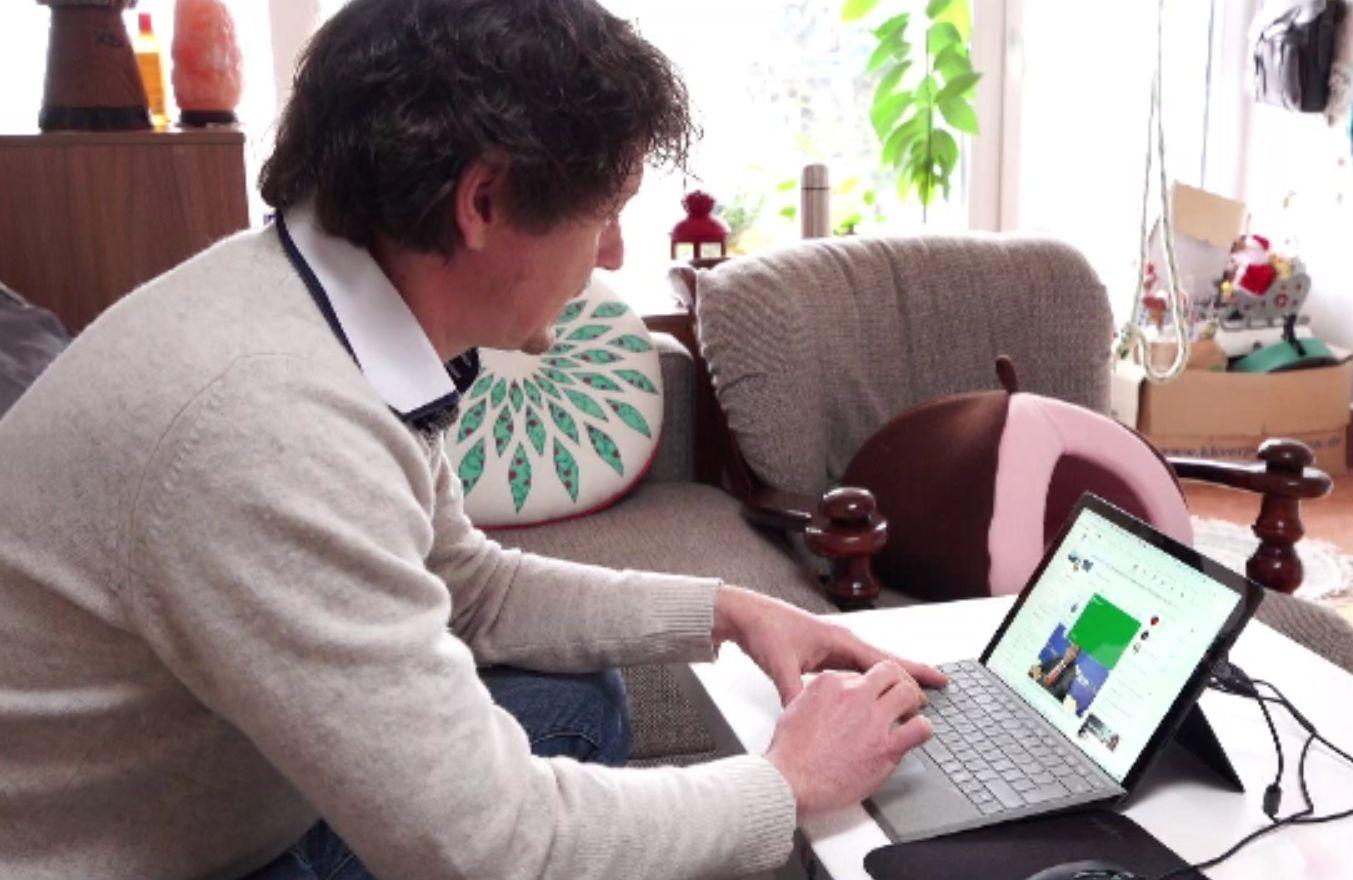 Condiții de muncă reglementate pentru angajații care lucrează de acasă