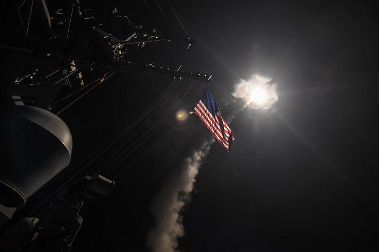 Statele Unite au bombardat mai multe poziții militare pro-iraniene în Siria