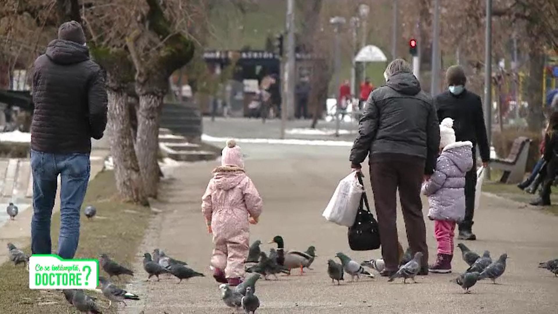 Hrana oferită copiilor în parc poate crește riscul de toxiinfecţie severă