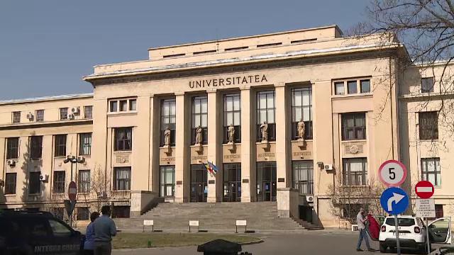 Cei 45 de studenţi de la Drept care au copiat la examenele online au fost exmatriculaţi