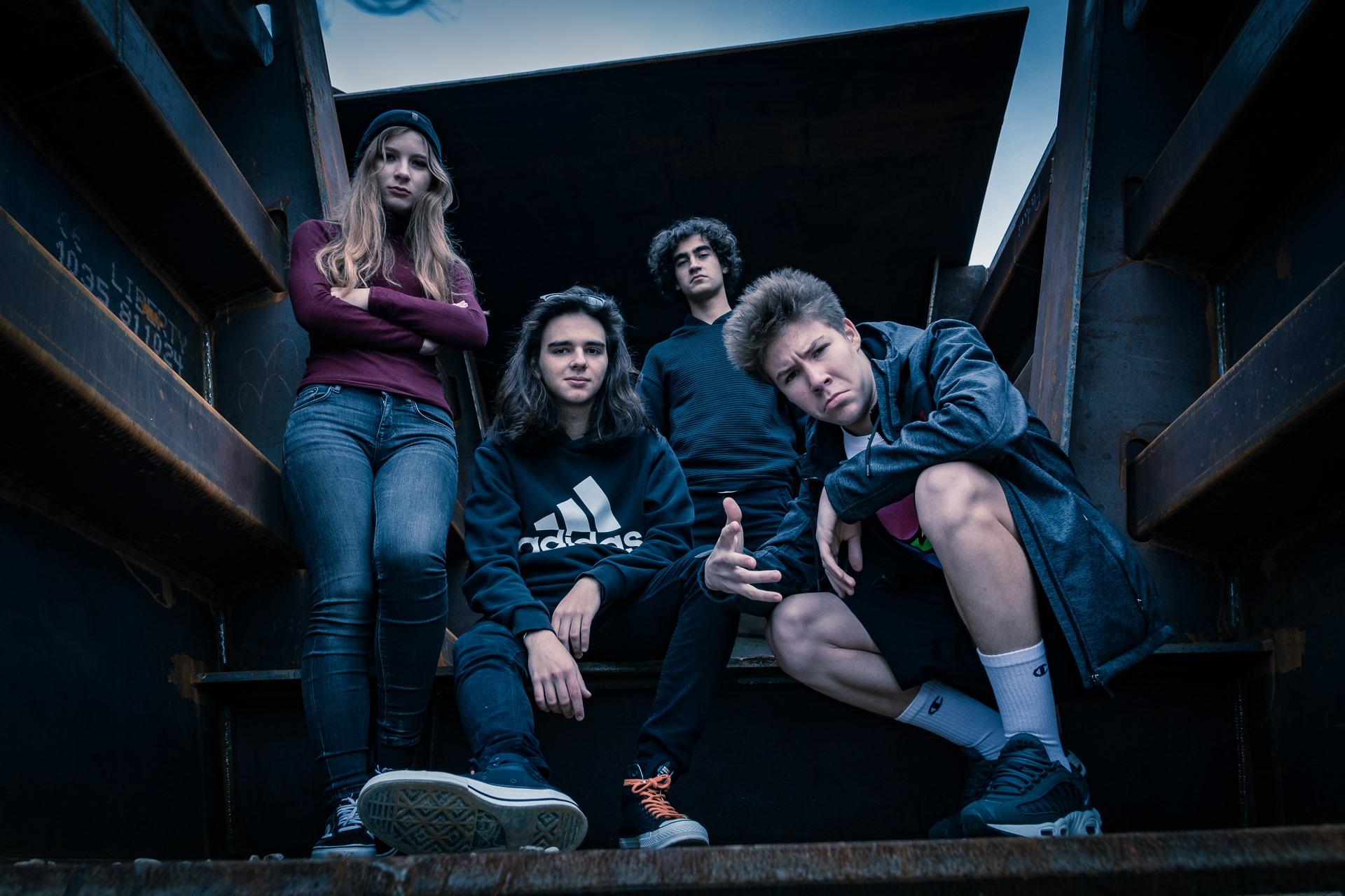"""Trupa Rapax din Bacău a lansat cel de-al 2-lea videoclip, la fel de """"supărat"""" ca primul: """"Breakpoint"""""""