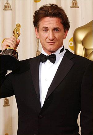 Nota de plata pentru Sean Penn: 300 de ore in folosul comunitatii