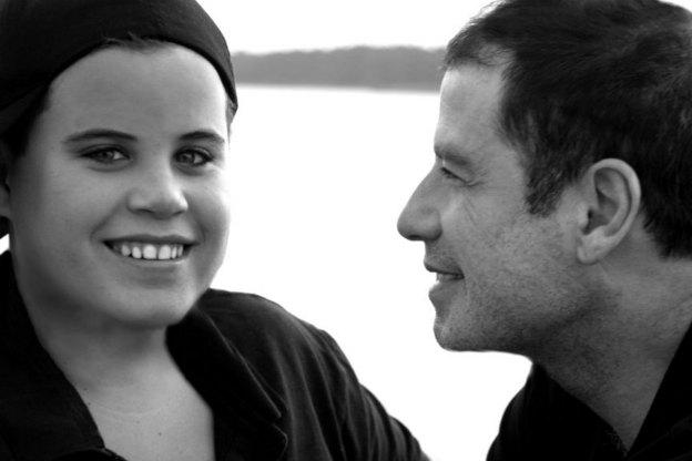 John Travolta a recunoscut in fata instantei ca fiul sau suferea de autism