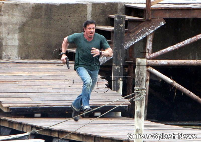 Sylvester Stallone si-a rupt gatul pe platourile de filmare!