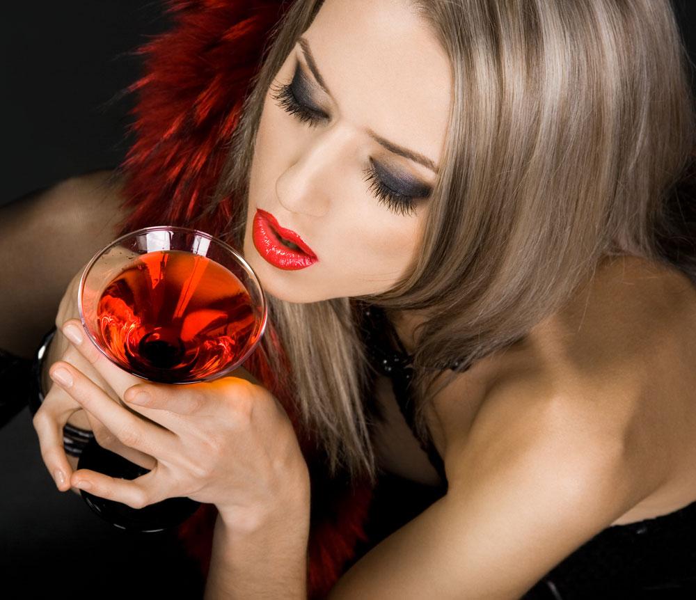 Vinul din trei organe sexuale si alte cadouri asiatice de Valentine's Day
