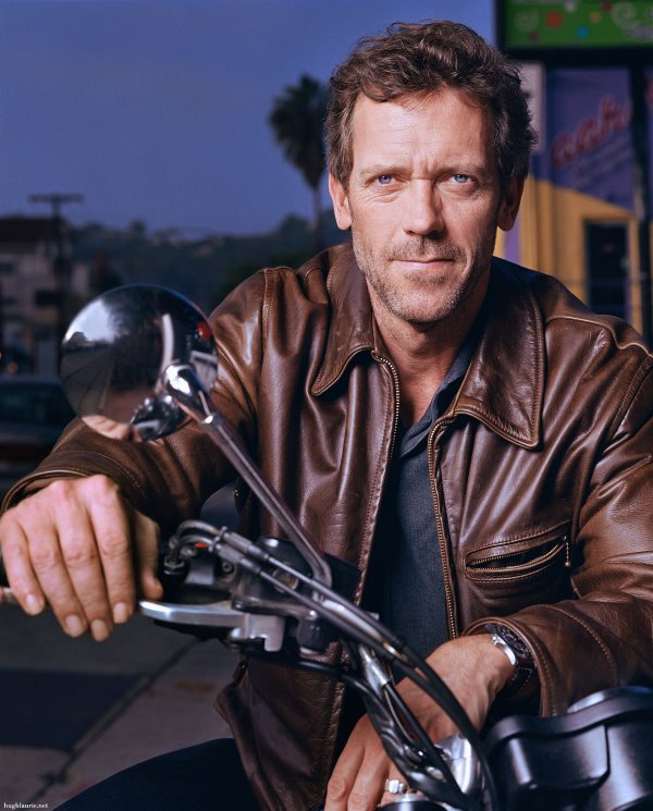 Dr. House canta blues! Actorul Hugh Laurie isi lanseaza propriul album