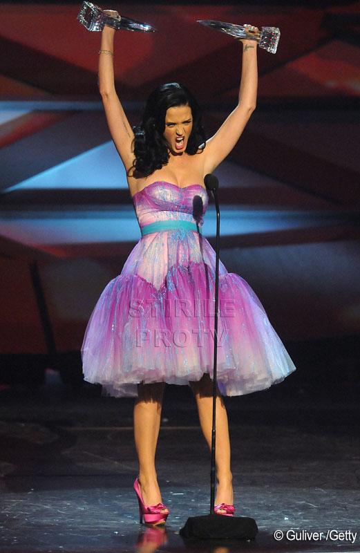 Katy Perry, vedeta serii la premiile People's Choice! A invins-o si pe GaGa