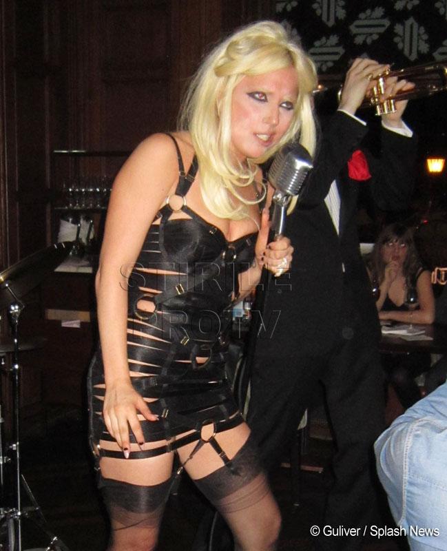 Ravasita si vulgara! Lady GaGa arata ca un clovn