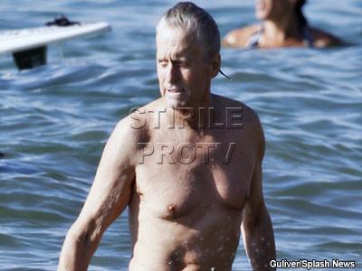 Dovada ca Michael Douglas a invins cancerul! IMAGINI cu actorul vindecat