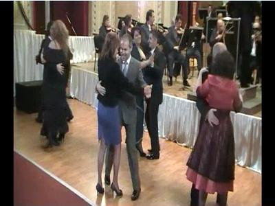 Ministrul Daniel Funeriu este gratios! Stie sa danseze vals. VIDEO