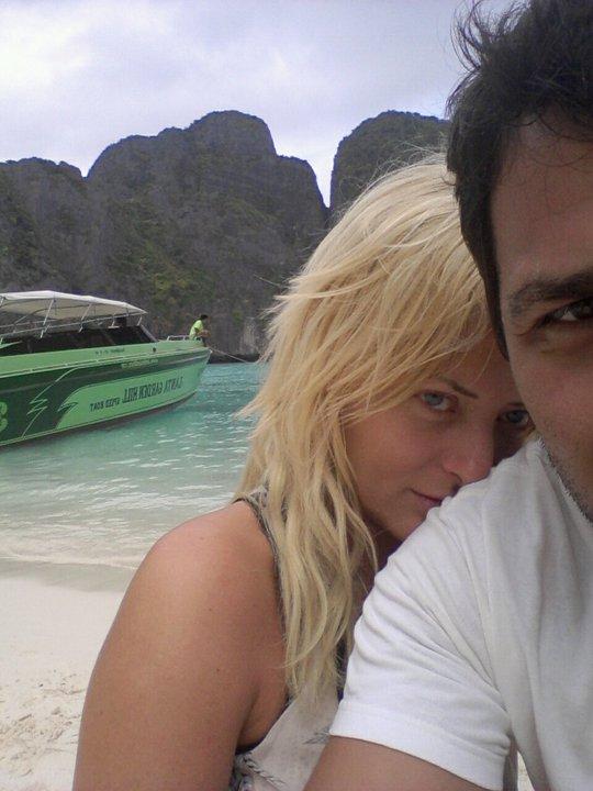 Delia si iubitul, pe insula unde Leonardo di Caprio a filmat