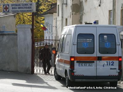 O eleva de la o scoala din Campina s-a aruncat pe geam