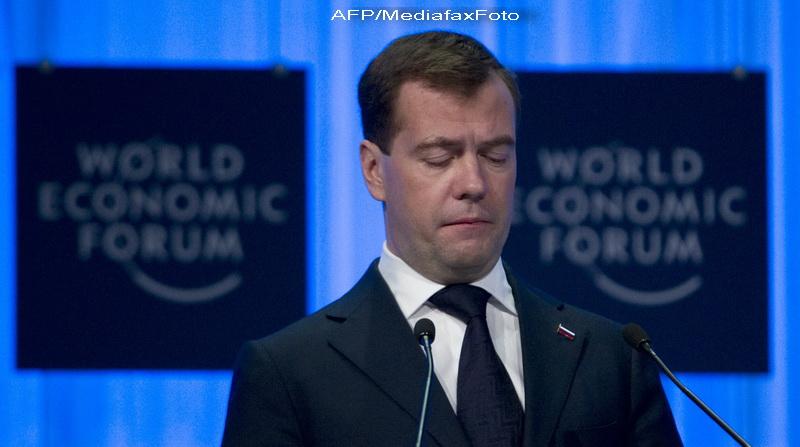 VIDEO. Dmitri Medvedev pe ringul de dans. Rusii se prapadesc de ras