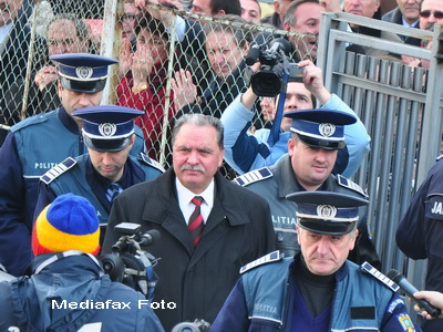 Constantin Nicolescu, presedintele CJ Arges, va fi cercetat in libertate
