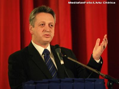 Fostul ministru Relu Fenechiu va afla joi decizia finala a judecatorilor.