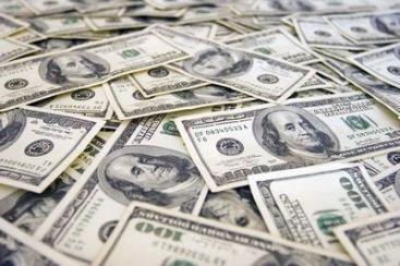 Afganii bogati scot anual din tara, in valize, 8 miliarde dolari, dublul bugetului de stat