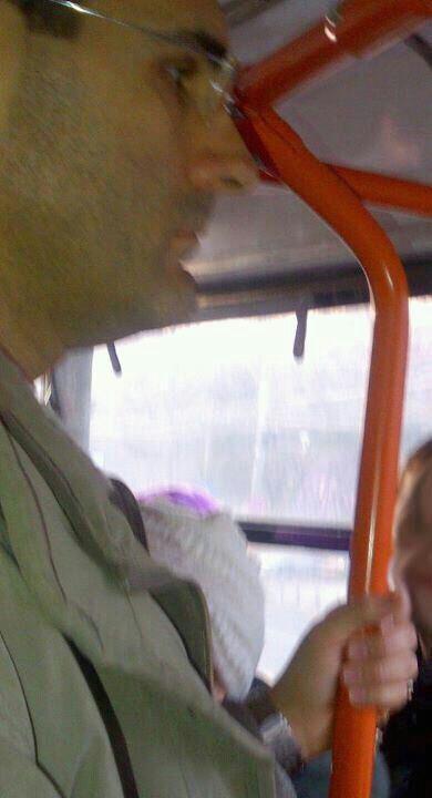 Alerta in Capitala. Individul care a intepat o tanara cu un ac in tramvaiul 41, cautat de politie