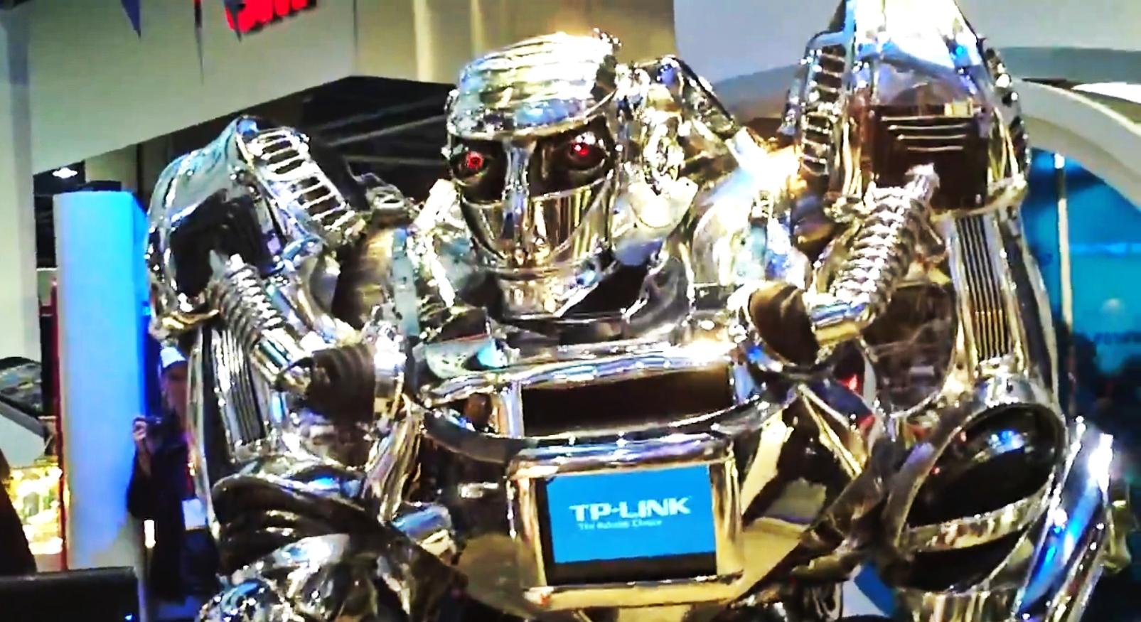 CES 2012: Robotul care merge pe bicicleta fara sa-si piarda echilibrul si un Optimus Prime politicos