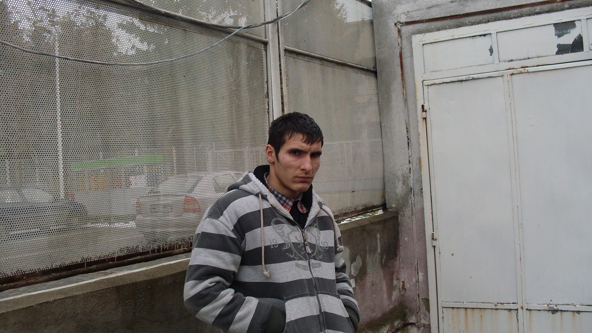 Talhar in tren. A furat un telefon mobil si bani, pe care i-a cheltuit la jocuri de noroc