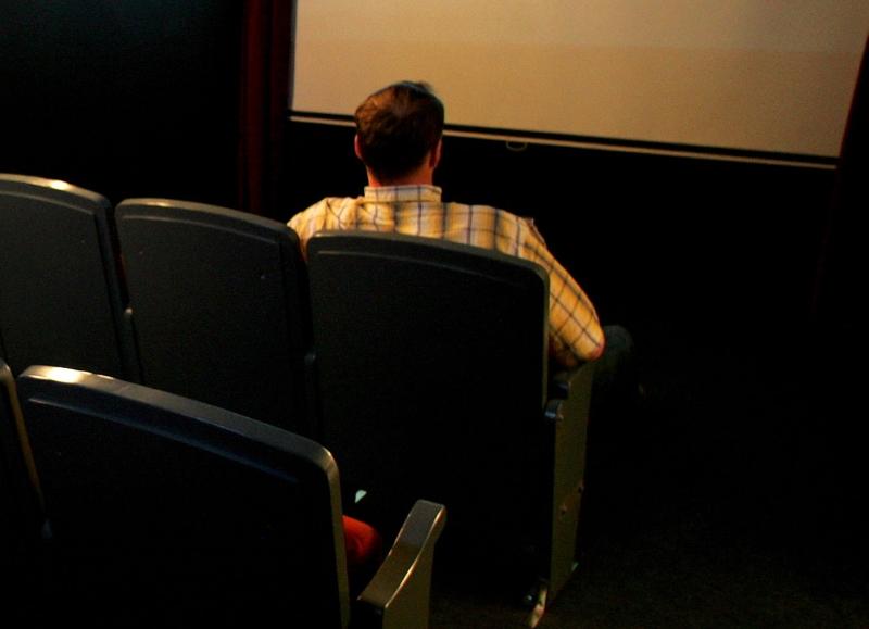 Gestul scandalos al unui violator, eliberat din inchisoare pentru a vedea la cinema