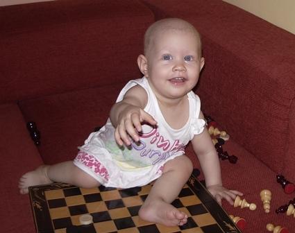 Desi parintii i-au recoltat celule stem la nastere, Alisa Stefania nu le poate folosi