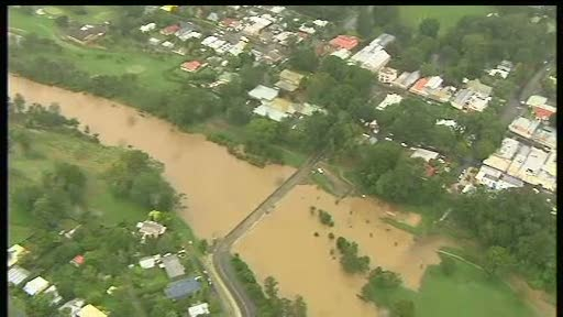Evacuari in masa in estul Australiei. Mii de oameni goniti din case de inundatii devastatoare
