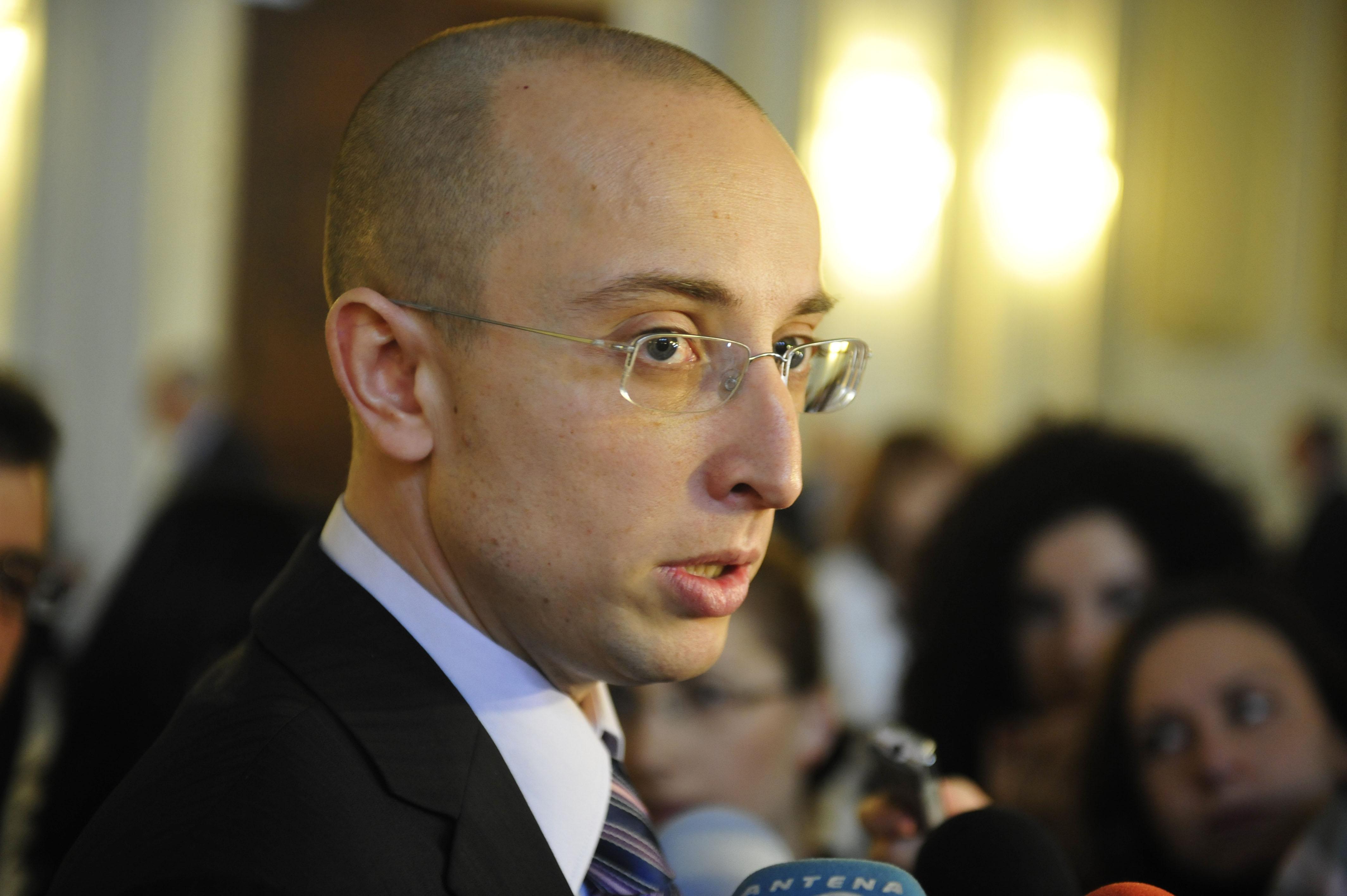Iulian Urban a anuntat pe blog ca demisioneaza din PDL. Se considera