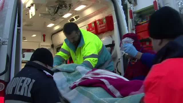 Trafic blocat pe Valea Oltului in urma unui accident in care trei persoane au fost ranite