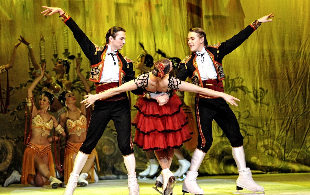 """Balet pe gheata la Timisoara. O trupa de balet va pune in scena spectacolul """"Spargatorul de Nuci"""""""