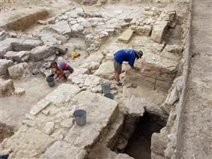 FOTO. Un tezaur vechi de doua milenii a fost gasit pe malul Marii Negre