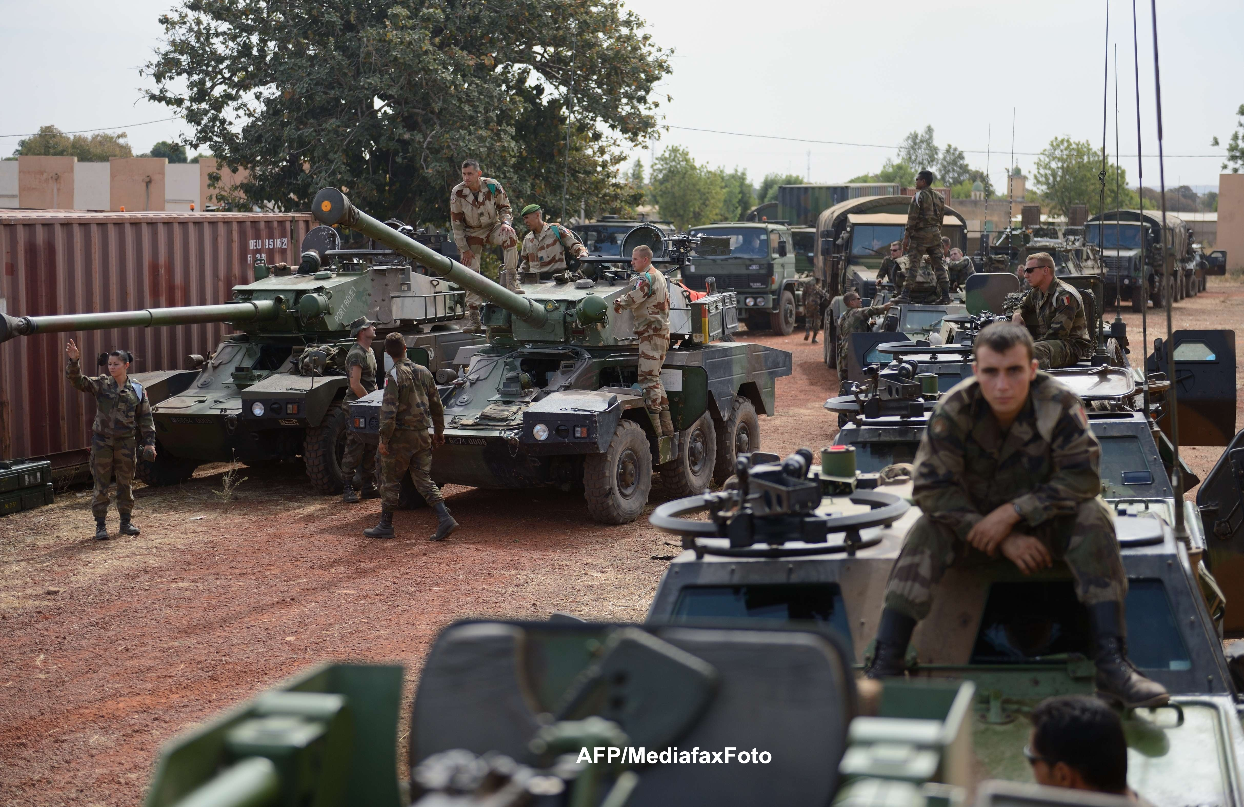 Primele imagini VIDEO din Algeria. Cum a intervenit armata ca sa-i lichideze pe islamisti