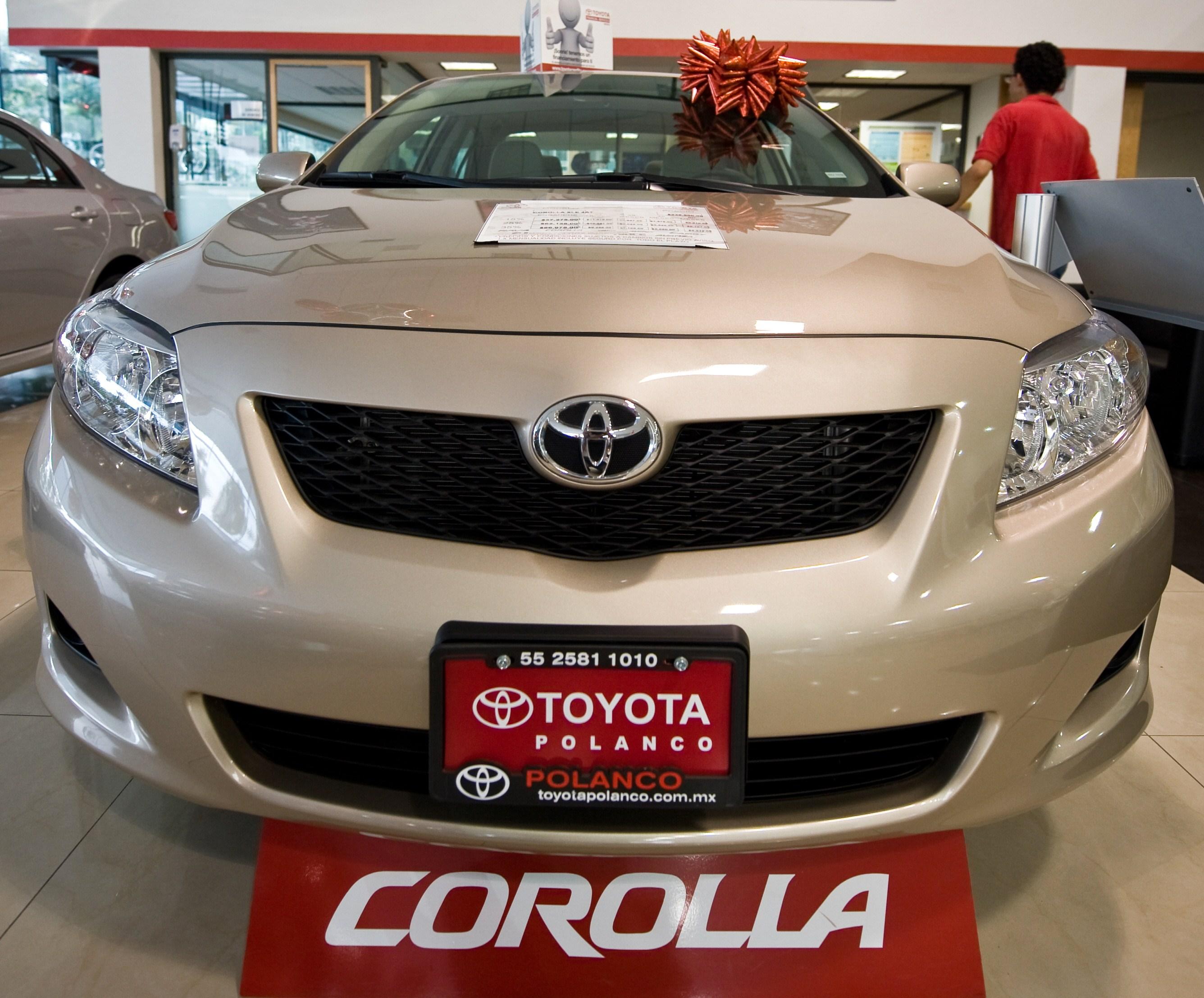 Toyota recheama aproape 1 milion de masini in America de Nord si Japonia din cauza unor probleme