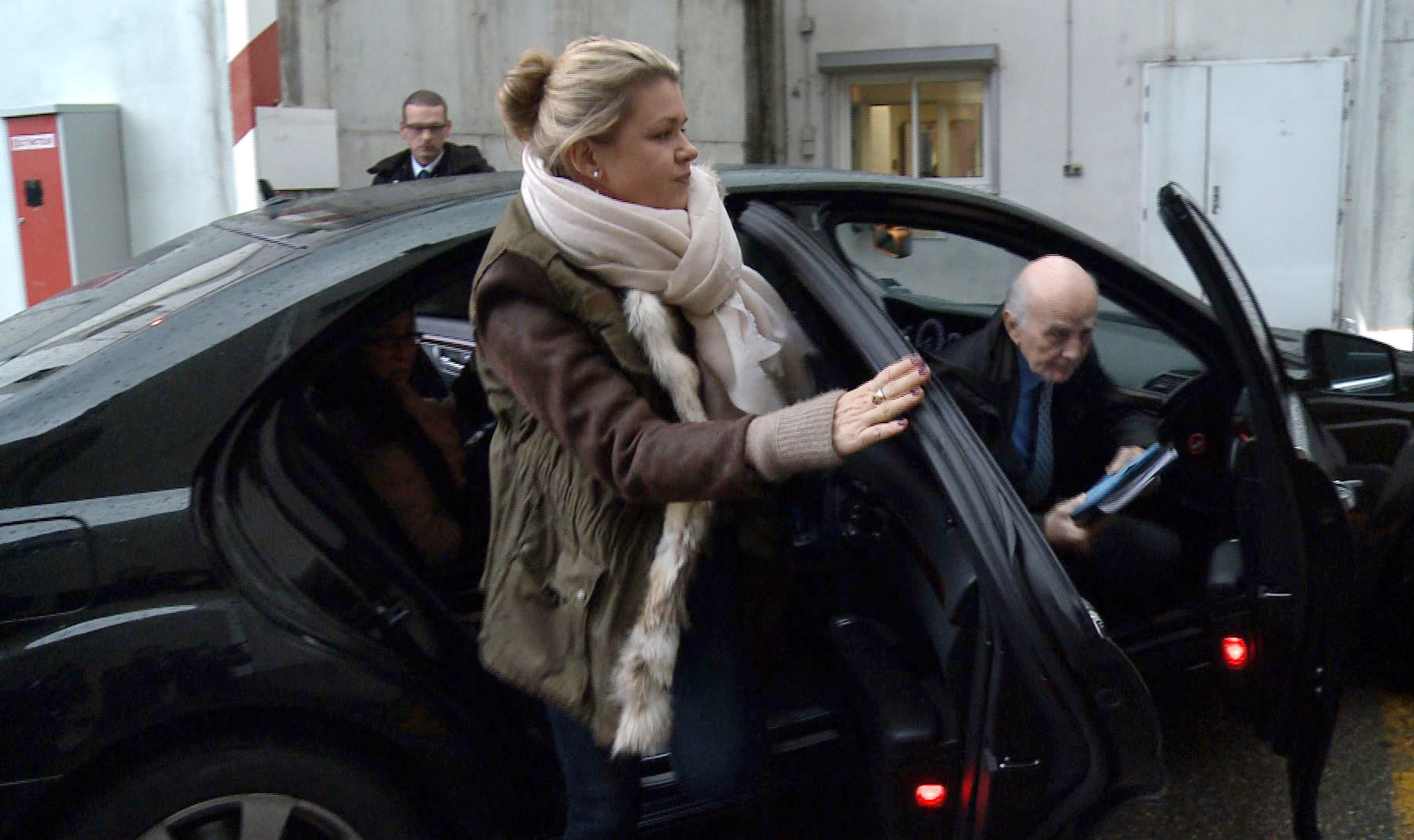 Sotia lui Schumacher se pregateste sa il aduca pe fostul pilot acasa. Pe ce a cheltuit 10 milioane de lire sterline