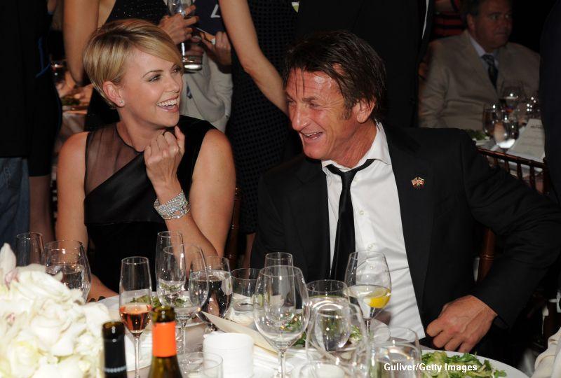 Sean Penn a depus actele necesare pentru a-l adopta pe fiul actritei Charlize Theron