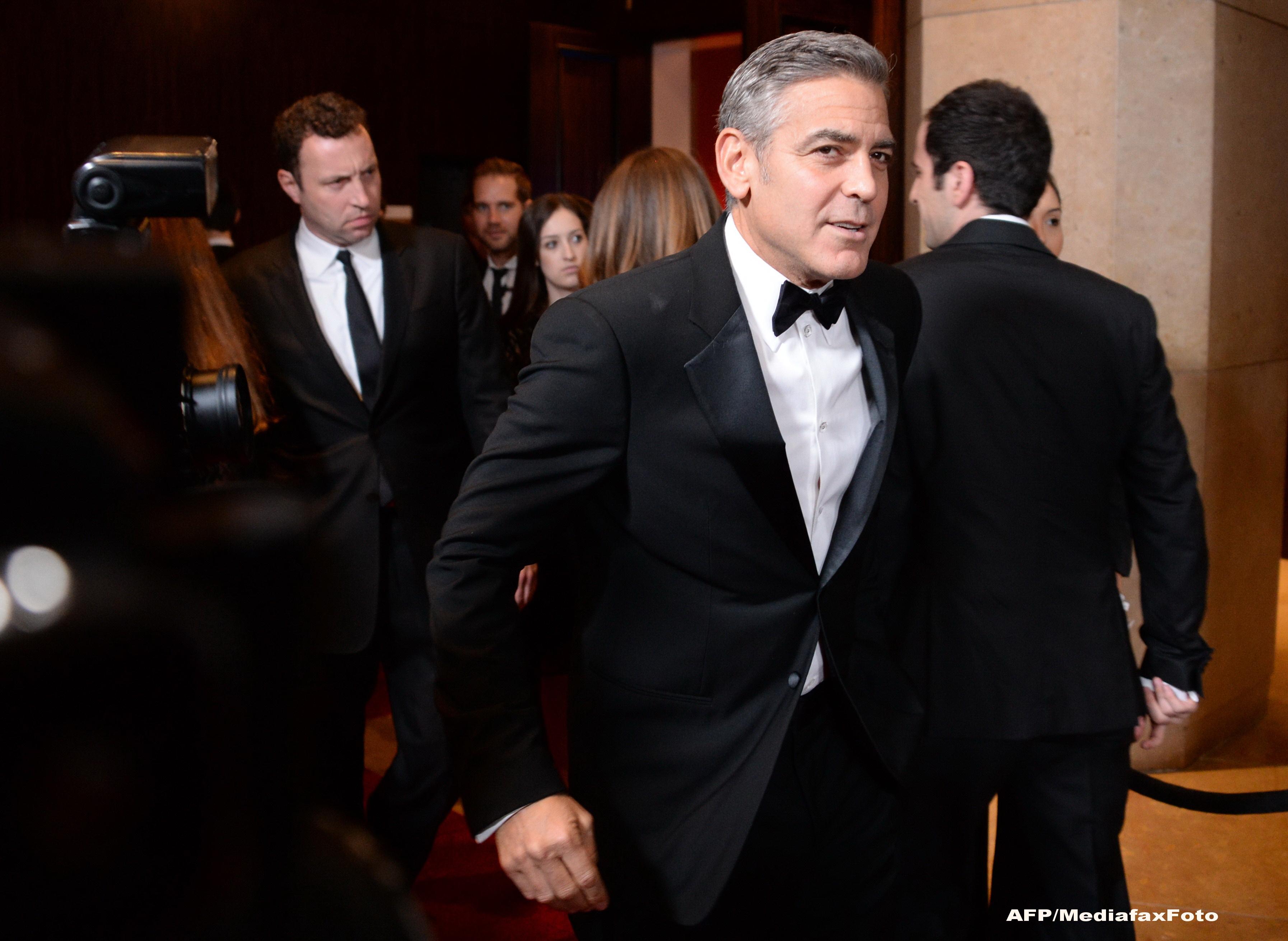 George Clooney paraseste clubul burlacilor celebri. Actorul s-ar fi logodit cu iubita sa, Amal Alamuddin