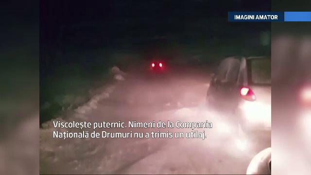 Noapte de cosmar: 20 de masini blocate de nameti intre Tulcea si Galati. Autoritatile locale dau vina pe CNADNR