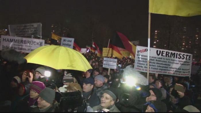 Extremistii de dreapta din Germania au organizat manifestatii impotriva