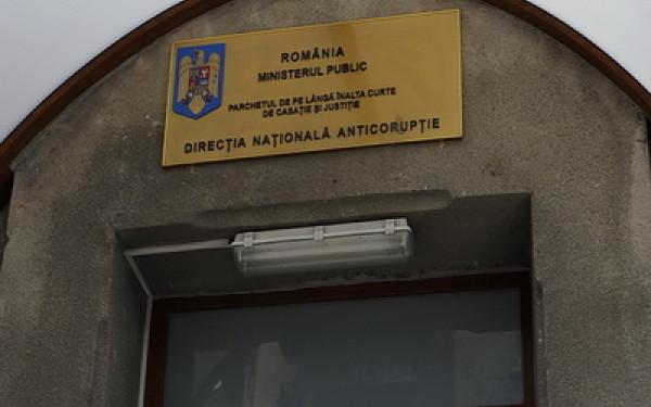 Daniel Dragomir a fost arestat preventiv. Fostul ofiter SRI este acuzat ca ar fi luat mita 2 milioane de lei