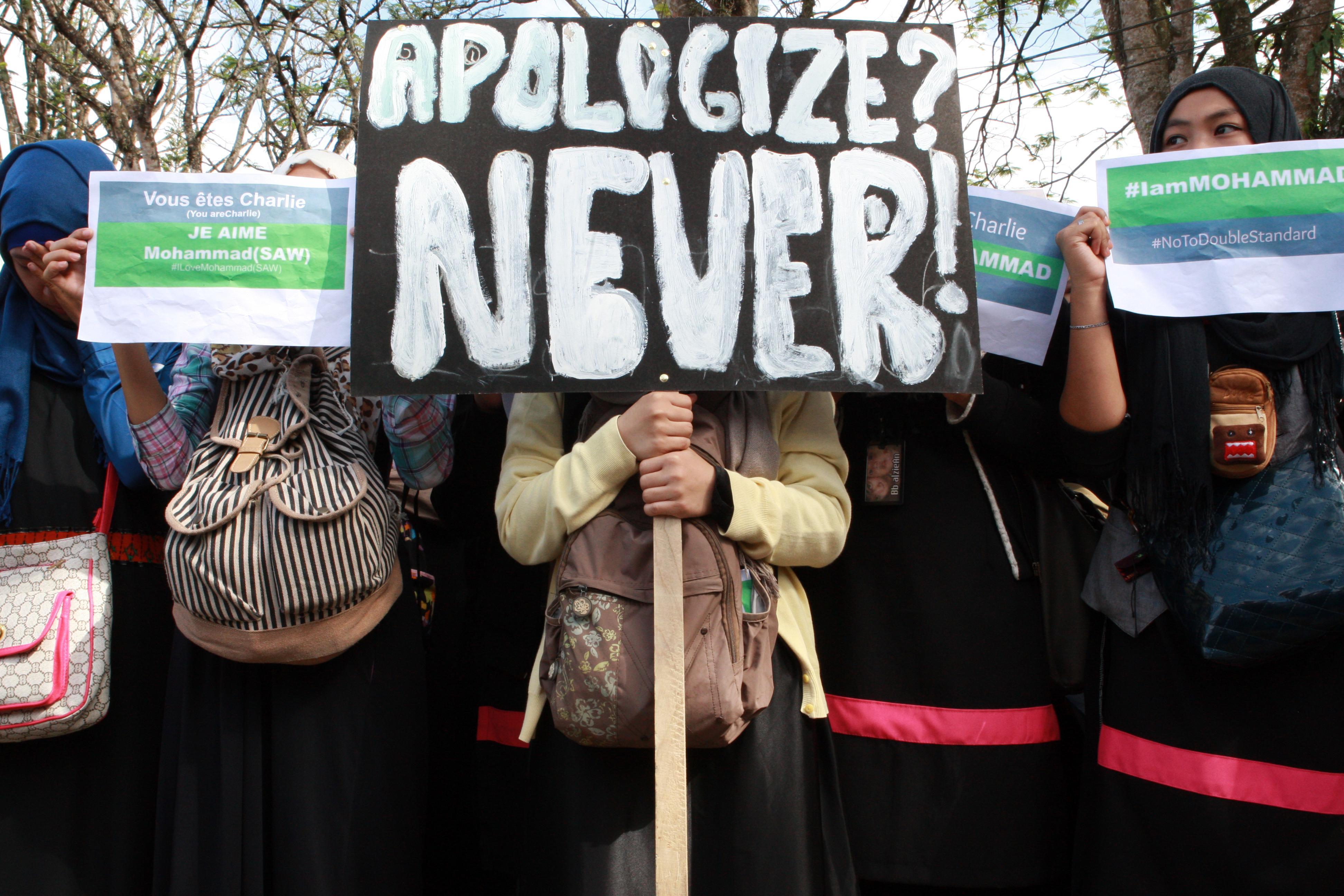 Tensiuni si proteste in lumea musulmana dupa aparitia ultimului numar al revistei Charlie Hebdo: