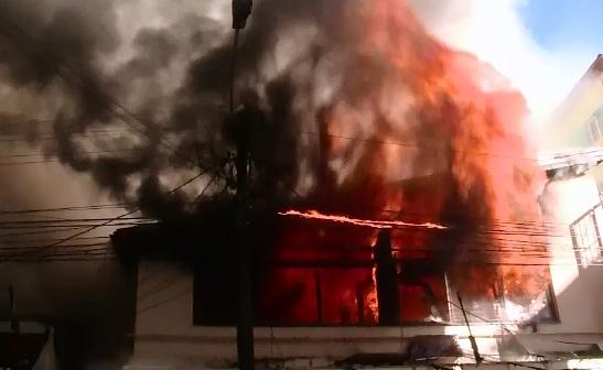 Doua explozii, la un interval de cateva secunde, au zguduit un service auto din Targu Mures