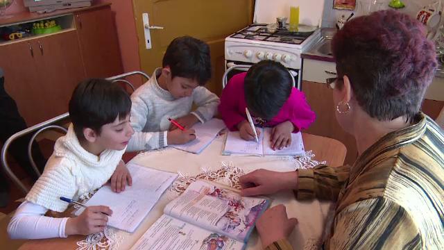 DGASPC Cluj angajeaza peste 20 de asistenti maternali