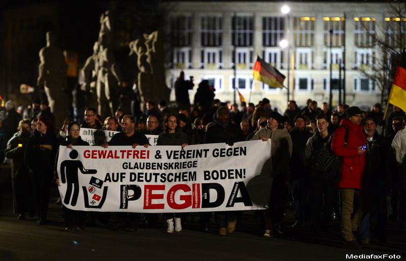 Manifestatie antiislam, in Danemarca. David Cameron: