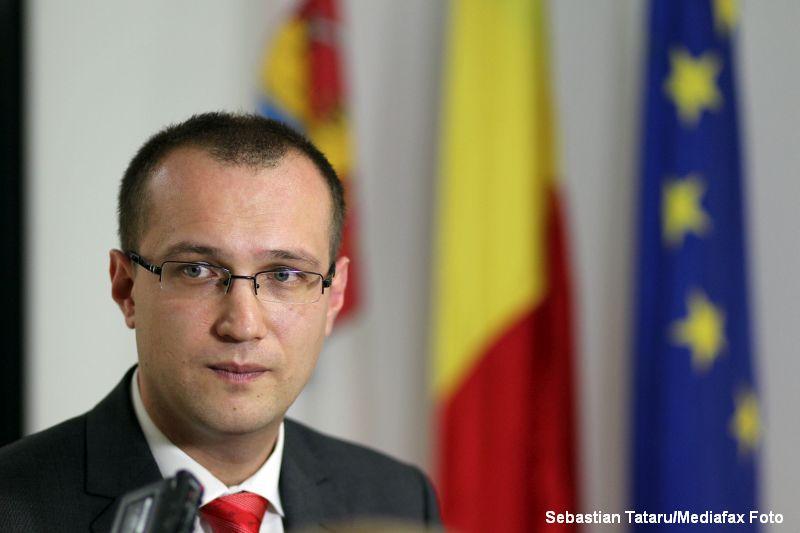 Un scandal urias zguduie politia din Timis. Seful IPJ, adjunctul sau si primarul din Recas, retinuti pentru abuz in serviciu